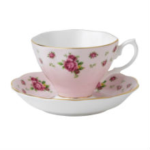 NEW COUNTRY ROSE TEACUP & SAUCER